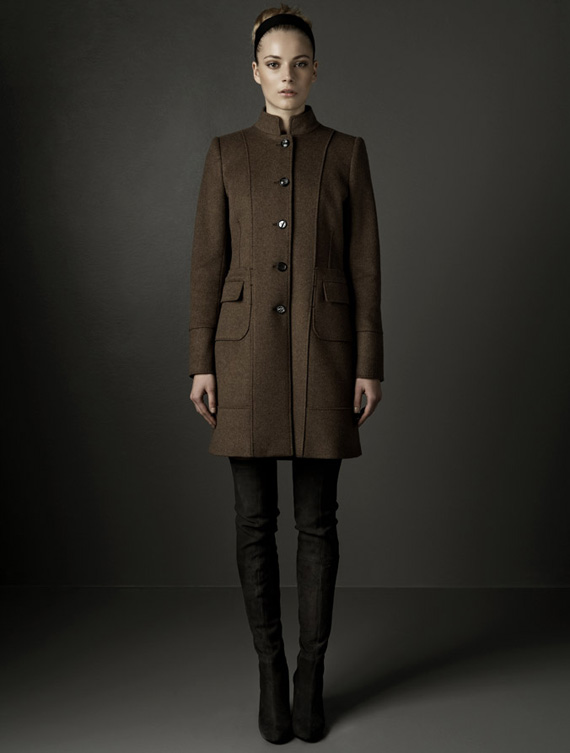 Manteau marron pantalon noir Zara
